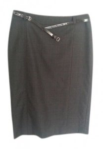 Burberry London Check Print Pencil With Patent Leather Belt. Skirt gray/burgundy