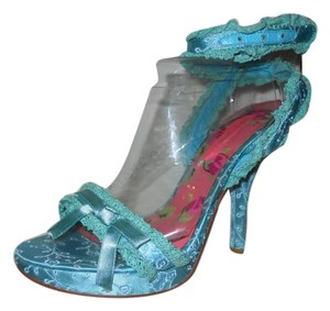 Betsey Johnson Lace Pbo blue Sandals