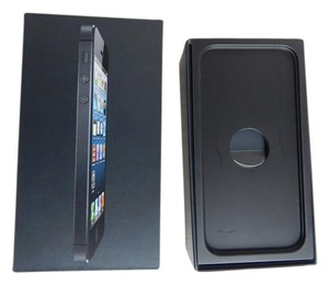 Apple Iphone 5 box and accessories