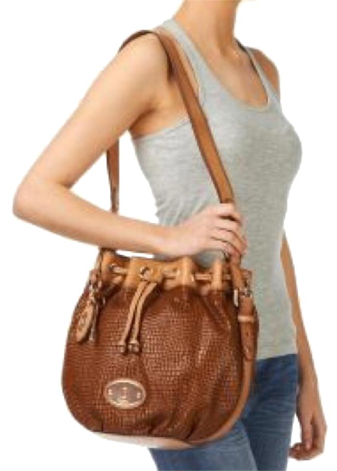 835d2a52fc5 Fossil Maddox Drawstring Brown Tan Leather Shoulder Bag 33% off retail