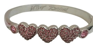 Betsey Johnson Betsey Johnson Hearts Bangle