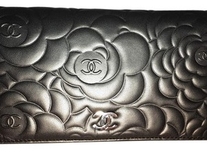 Chanel Brand New Authentic Chanel camellia long bifold wallet