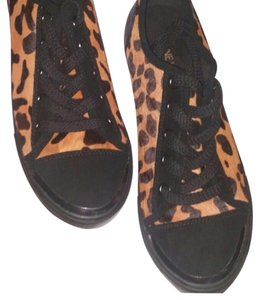 Nine West Leopard Athletic