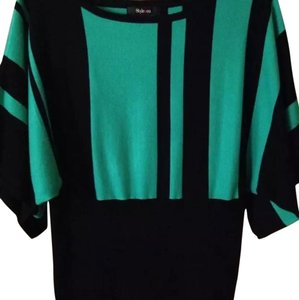 Style & Co Top Black and green