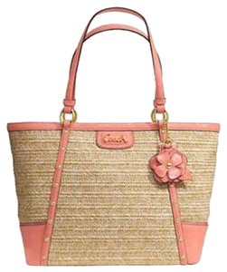 Coach Tote in Natural/coral