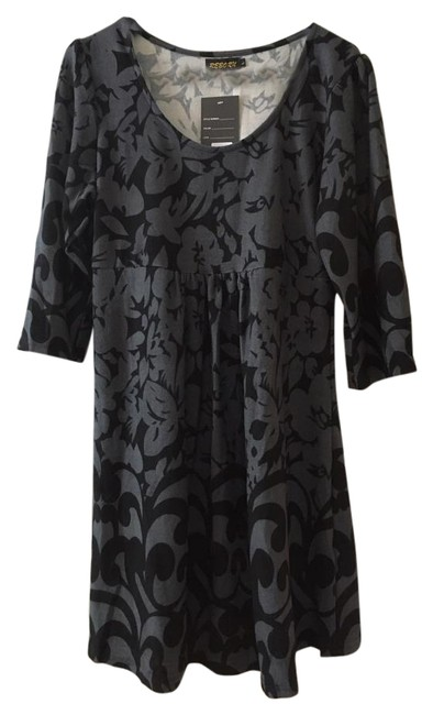 Item - Black Collection Knee Length Short Casual Dress Size 12 (L)