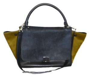 Céline Tote in moss green-charcoal