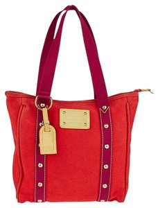Louis Vuitton Tote in Red (Rouge)