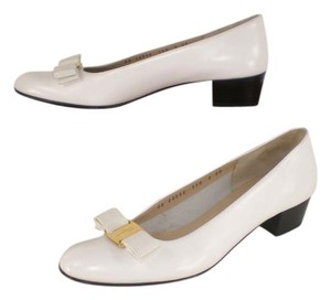 Salvatore Ferragamo Vera Bow Extra Narrow white Flats
