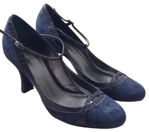 Ann Taylor LOFT Navy Pumps