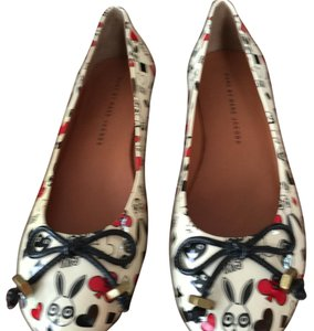 Marc by Marc Jacobs Beige, black, red Flats