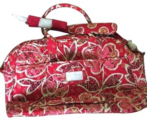 Vera Bradley Pet And Smoke Free Rosy Posies Travel Bag