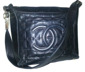 Chanel Leather Lambskin Quilted Shoulder Bag