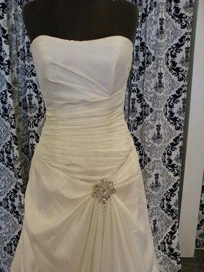Jacquelin Exclusive Ivory 1991009 Traditional Wedding Dress Size 8 (M)