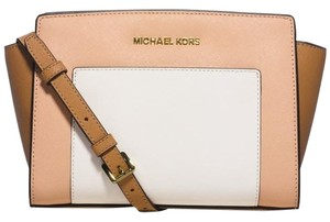 Michael Kors Selma // Pocket Mk Peanut/Nude /White Messenger Bag