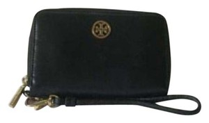 Tory Burch Double stacked T black wristlet