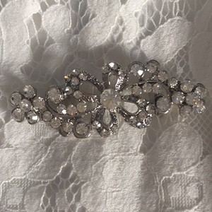 Vintage Inspired Crystal Brooch/pin