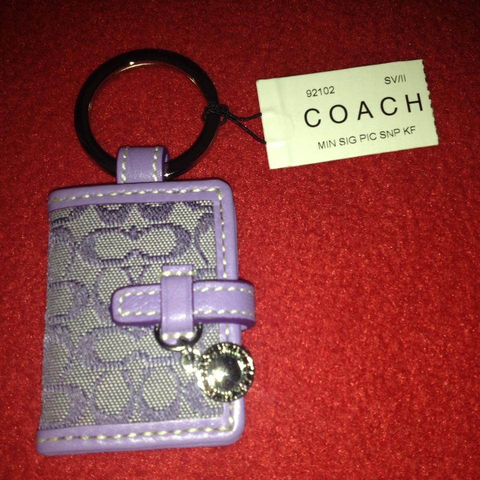 Coach with tags light purple signature c picture frame keychain 123456789 jeuxipadfo Image collections