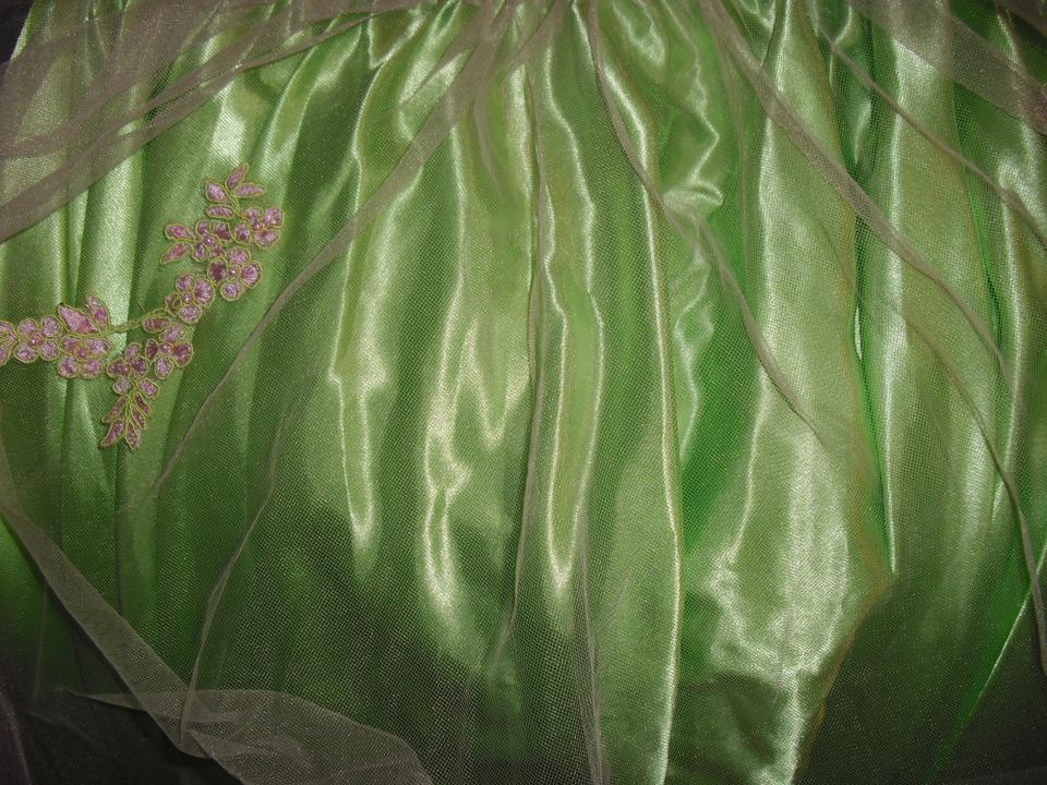 Scala pink over green tulle satin lace appliques trumpet scallop