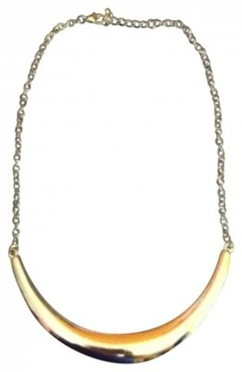 Preload https://item1.tradesy.com/images/forever-21-silver-bib-necklace-154395-0-0.jpg?width=440&height=440