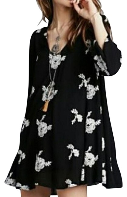 Item - Embroidered Emma Above Knee Short Casual Dress Size 2 (XS)