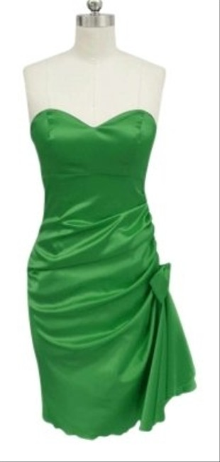 Preload https://item2.tradesy.com/images/green-strapless-bunched-bow-satin-size2x3x-knee-length-cocktail-dress-size-24-plus-2x-154421-0-0.jpg?width=400&height=650