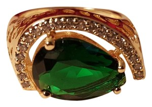 Other Emerald Green Topaz Ring Gold Plated Size 7