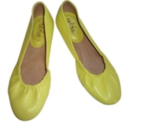 Maloles Yellow Flats