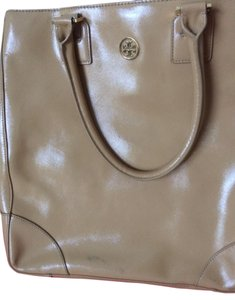 Tory Burch Tote in Beige