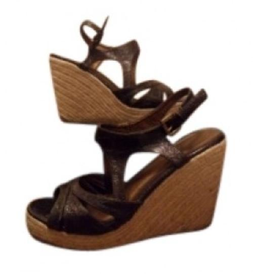 Preload https://img-static.tradesy.com/item/154477/francesca-s-brown-and-tan-wedges-size-us-8-0-0-540-540.jpg