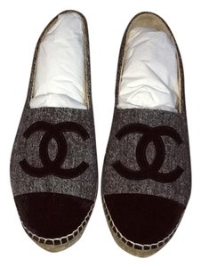 Chanel Grey and black Flats