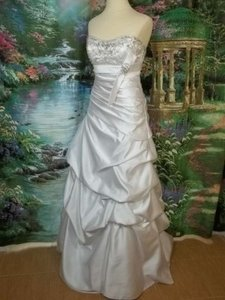Alfred Angelo 829 Wedding Dress