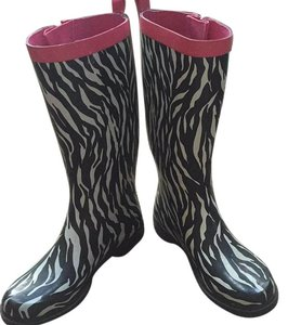 Capelli New York Black, white and pink Boots