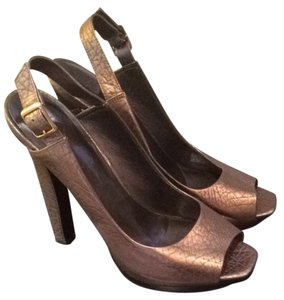 Jessica Simpson Brass gold Pumps