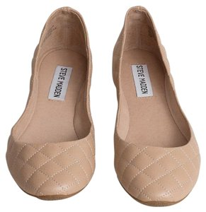 Steve Madden Leather Lining Natural Flats