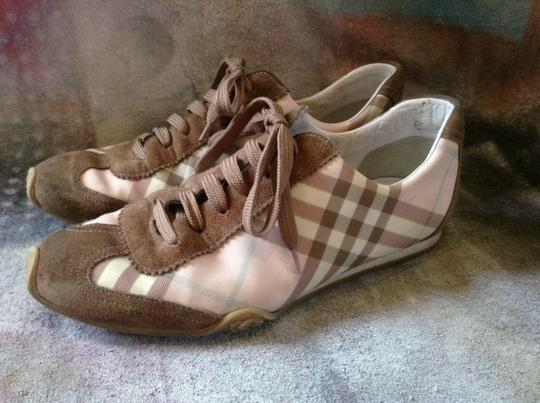 Burberry Brown Size 9 Sneakers pink novacheck Athletic