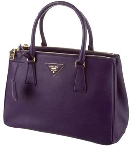 f59f2f6e3fd10b Prada Saffiano Collection - Up to 70% off at Tradesy