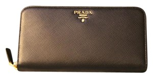 Prada Saffiano Metal Oro Zip-Around Wallet Black Brand New (Nero)