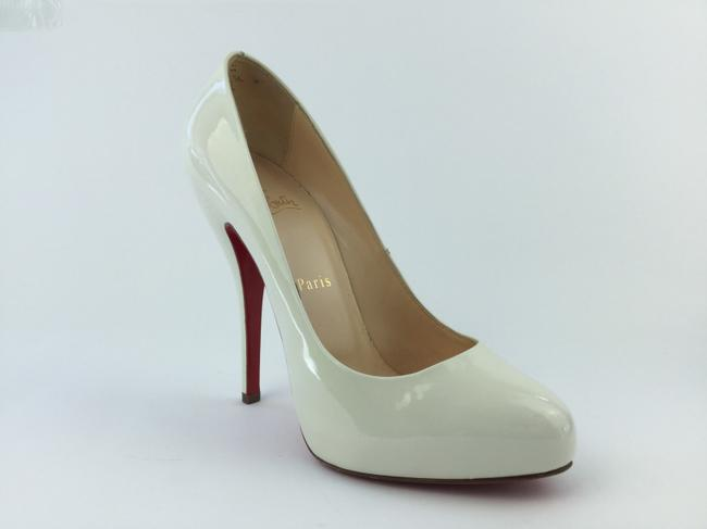 Item - White Pumps Size US 7.5 Regular (M, B)