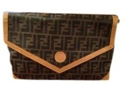Preload https://item2.tradesy.com/images/fendi-double-f-pattern-envelope-style-ta-black-and-tan-leather-canvas-clutch-15466-0-0.jpg?width=440&height=440