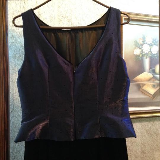 Midnight Blue Velvet and Satin J.r. Nites By Caliendo Traditional Bridesmaid/Mob Dress Size 12 (L)