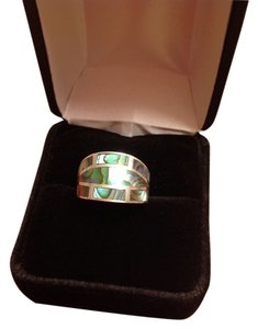 Sterling Silver 925 & green abalone cigar style ring