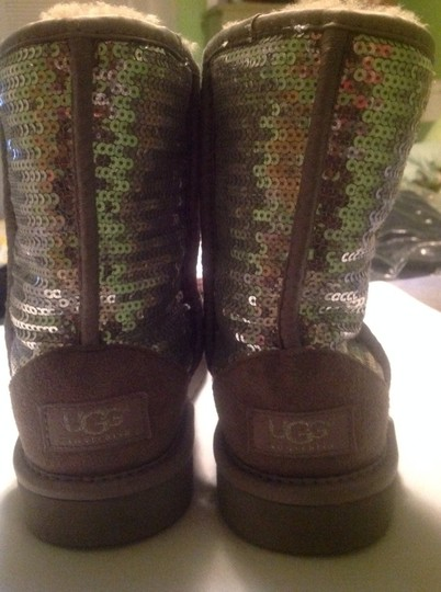 UGG Australia Textile And Genuine Sheepskin Girls Size 3 Silver Boots