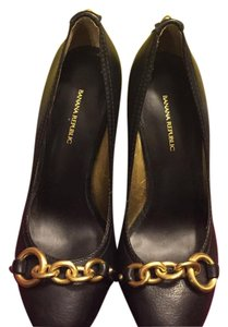 Banana Republic Black with gold detail Pumps