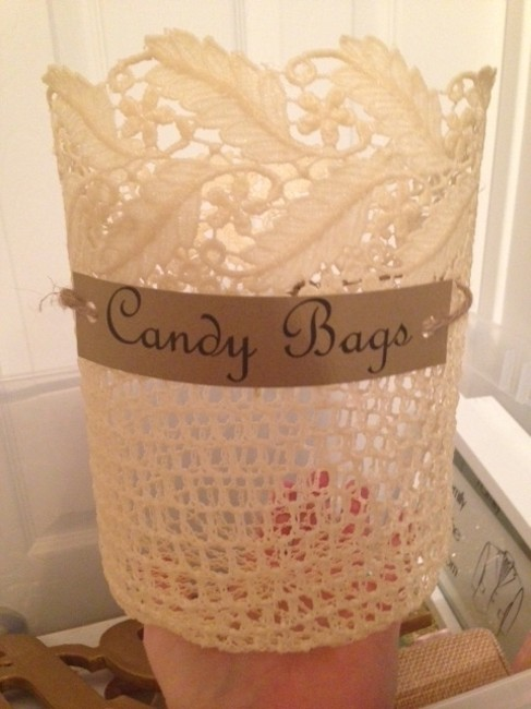 Item - Cream and Burlap Candy Lace Bags Holder Reception Decoration