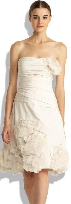 Item - Ivory Taffeta Bcbg A-line Strapless Chiffon with Flower Mif64539-101 Casual Wedding Dress Size 4 (S)