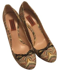 Missoni Multi-color. Black bow and heel. Pumps