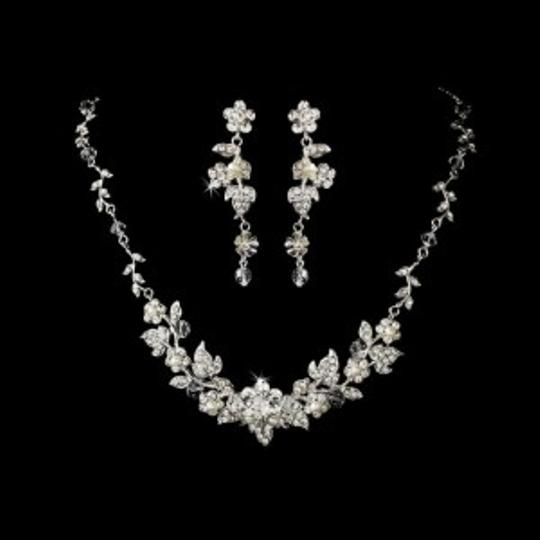 Preload https://img-static.tradesy.com/item/154847/elegance-by-carbonneau-silver-crystal-and-pearl-floral-jewelry-set-0-0-540-540.jpg