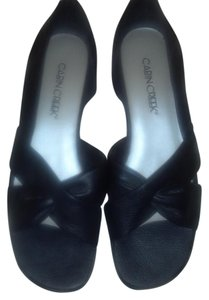 Cabin Creek Black Sandals