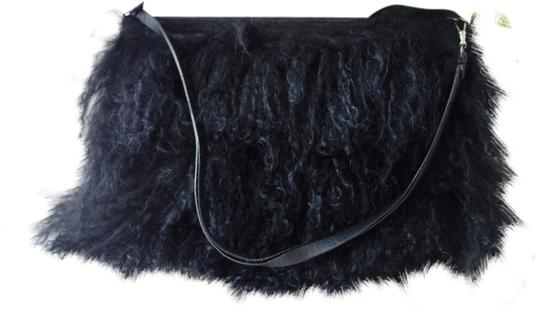 Preload https://img-static.tradesy.com/item/1548833/bcbgmaxazria-bcbg-bagclutch-black-furry-clutch-0-0-540-540.jpg